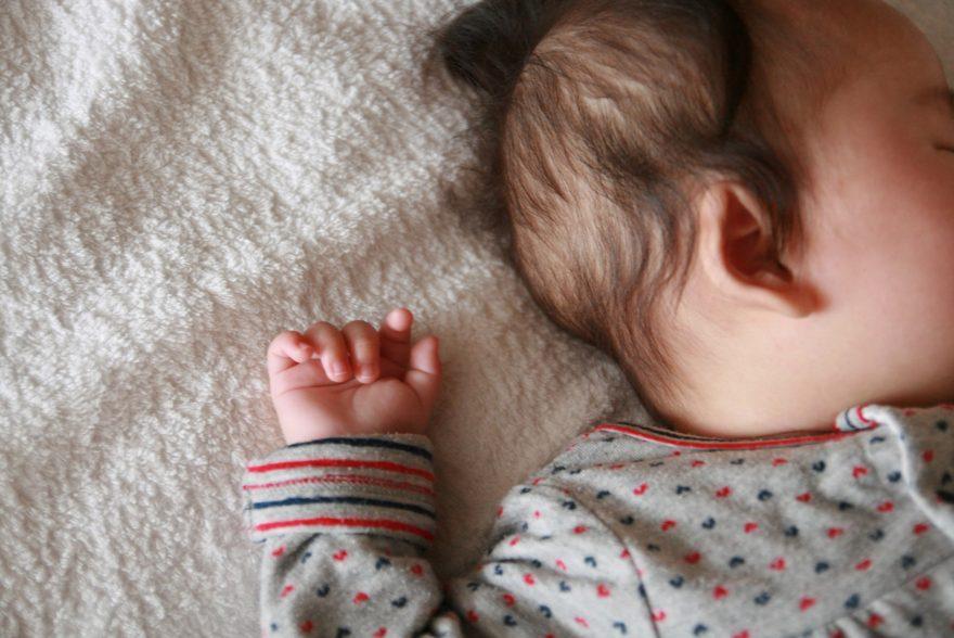 オルゴール 子供 寝る 寝かしつけはいつまで?ママの悩みに答える「子供をすんなり寝かしつける」プロの技術とは?